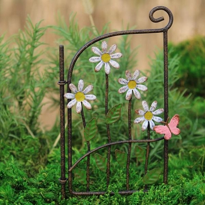 Metal Daisy Gate