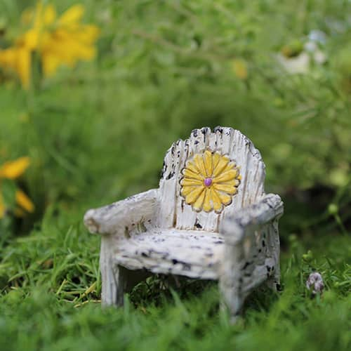 Itty Bitty Daisy Chair